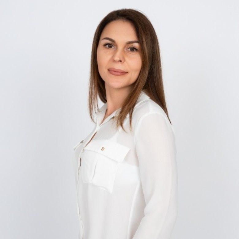Оксана Простакова